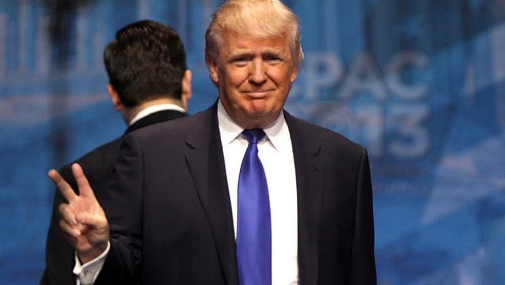 Donald Trump śpiewa THANK U, NEXT. Musicie to zobaczyć