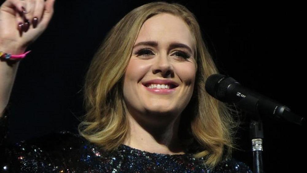 Odmieniona Adele śpiewa Rolling In The Deep! [WIDEO]