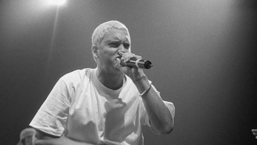 Eminem rapuje o zamachu na koncercie Ariany Grande. Fani są wściekli