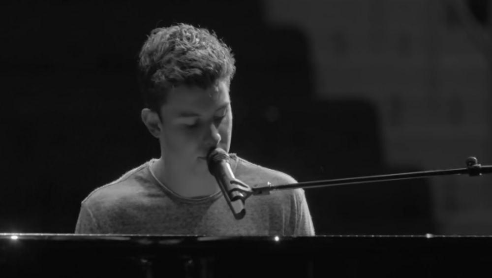 Nowy klip Shawna Mendesa do akustycznej wersji Mercy!