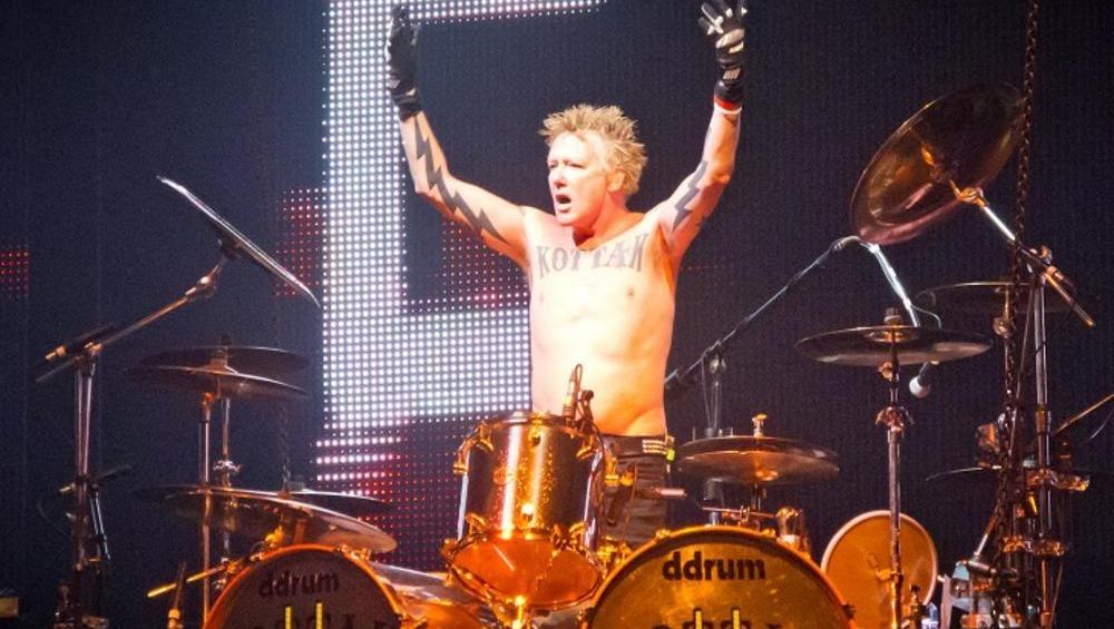Były perkusista grupy Scorpions rozpoczyna solową karierę!