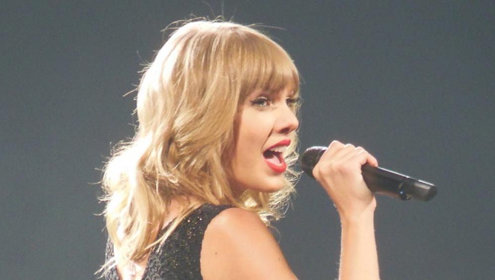 Taylor Swift zniknęła, bo… wydaje nową płytę?!