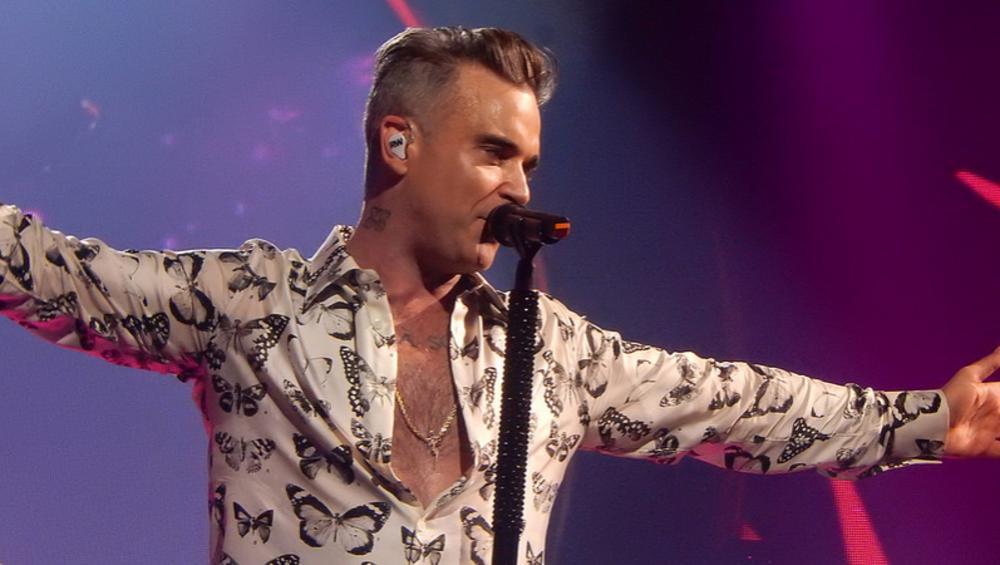 Skandal podczas inauguracji Mundialu? Robbie Williams wykonał niecenzuralny gest