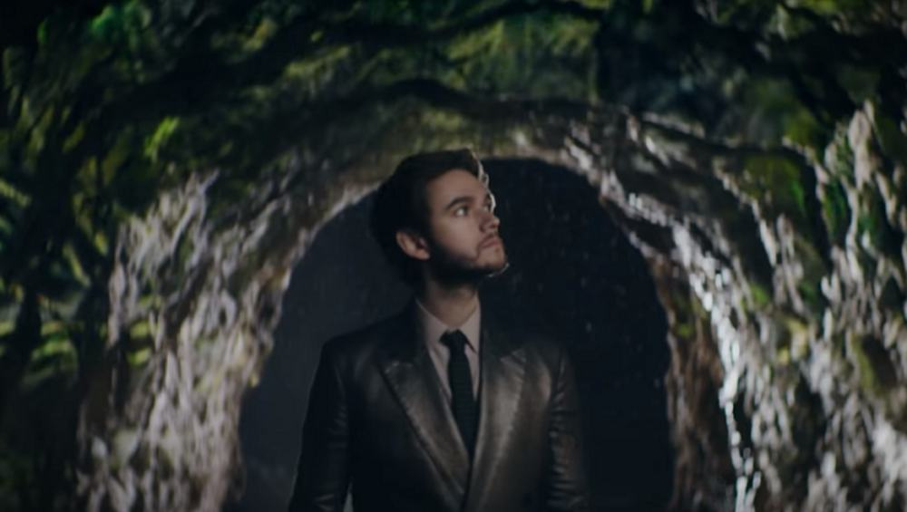 """Zedd zaskakuje kawałkiem i klipem do """"One Strange Rock"""". To nie jest to, czego się spodziewacie!"""