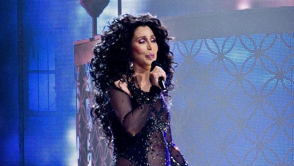 Cher wyda krążek z coverami Abby