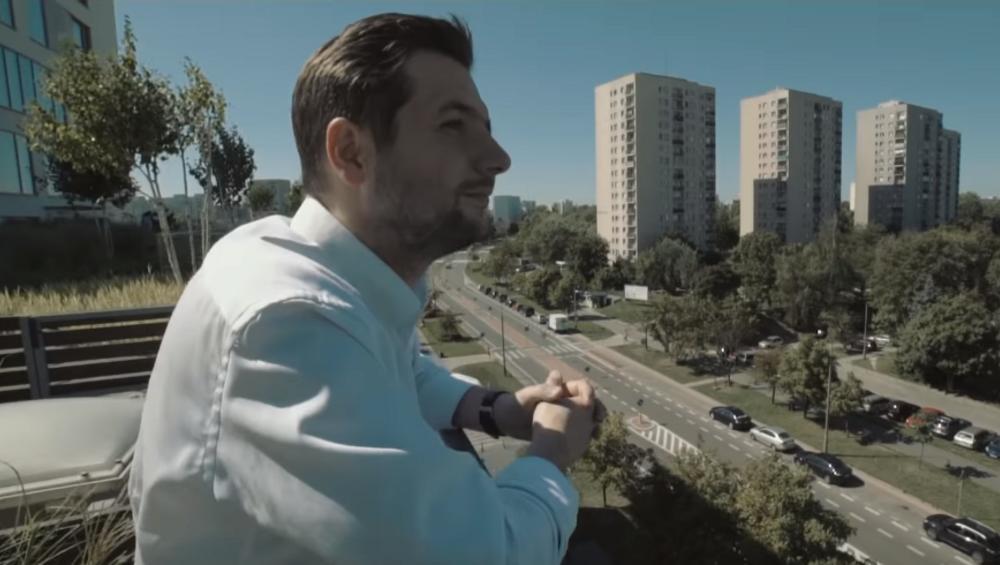Patryk Jaki do piosenki wyborczej zatrudnił rapera. Oto efekt