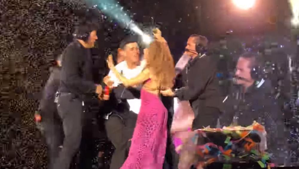 Koncert Shakiry: szarpanina na scenie zakończyła się zaskakująco [VIDEO]
