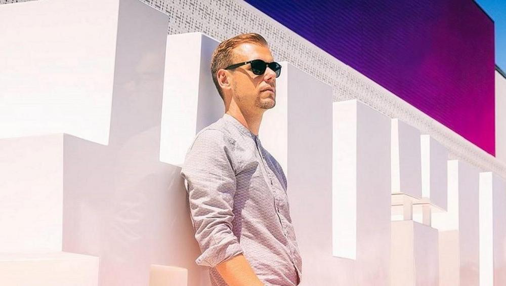 Armin van Buuren: nowa płyta ASOT Ibiza 2018 już dostępna! Chcesz ją mieć?