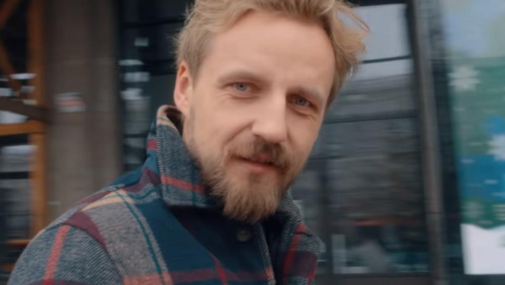 Paweł Domagała: nowa piosenka to kolejne Weź nie pytaj, Weź się przytul?