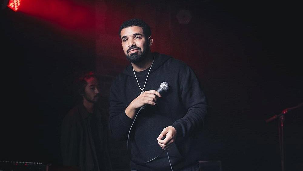 Drake podrywa 14-latkę? Wyciekły smsy