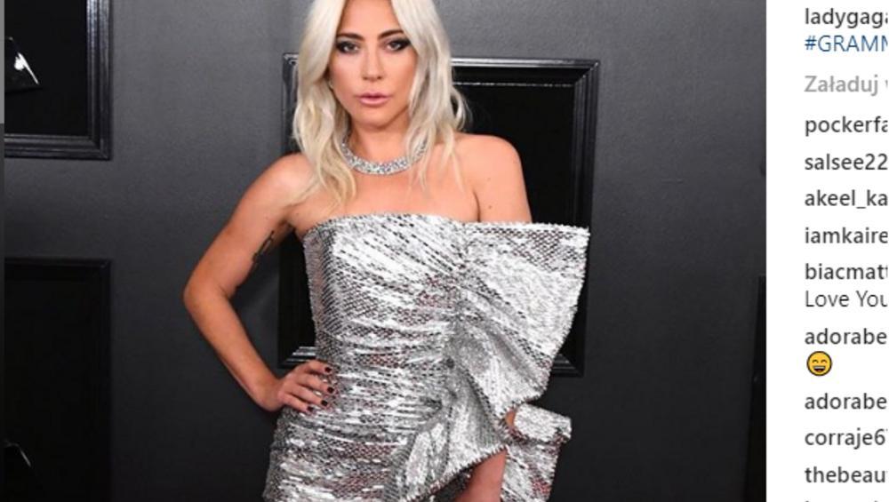 Lady Gaga całuje się na scenie z żonatym facetem! [WIDEO]