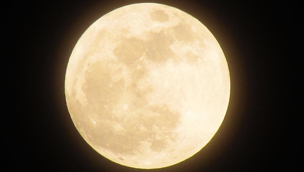Pełnia Księżyca – sierpień 2020. Kiedy oglądać?