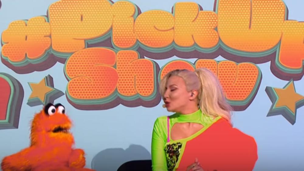 Aktorka wygląda jak Cleo i śpiewa jej hit. Dobrze jej poszło?