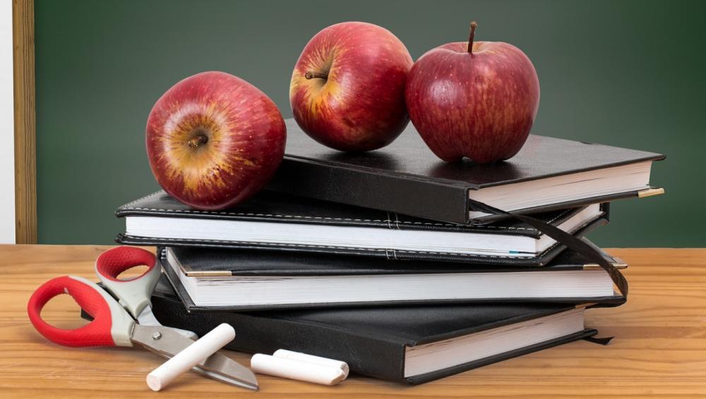 Dzień nauczyciela – prezenty z pomysłem