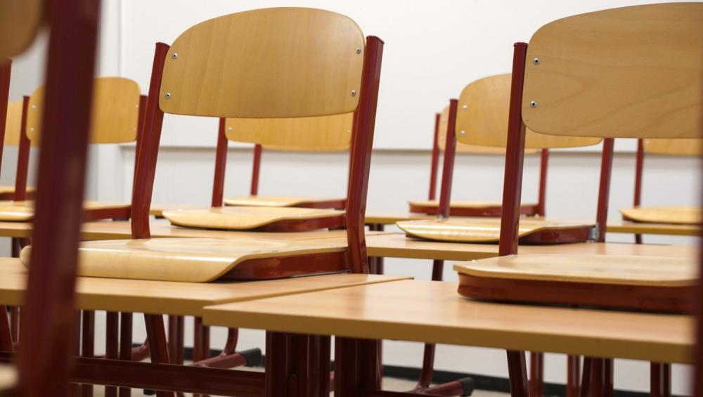 Nauczanie zdalne ma objąć też szkoły podstawowe. Które klasy?