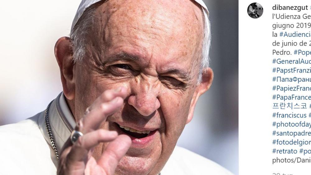 """Papież do zakonnicy: """"Dam Ci całusa""""! [WIDEO]"""