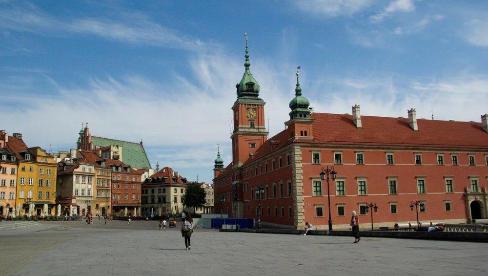 Koronawirus: nowe ograniczenia w Polsce! Sprawdzamy co one oznaczają