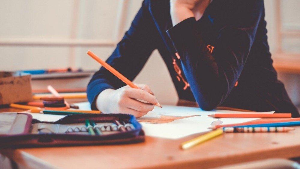 Szkoły od 1 września: jest decyzja i pierwsze wytyczne nowego roku szkolnego