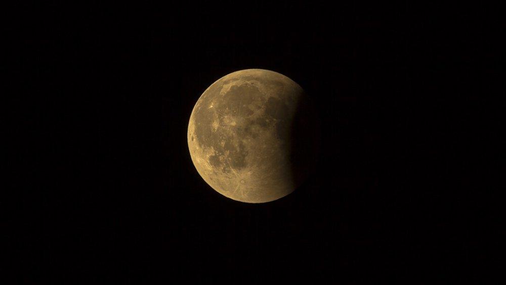 Zaćmienie i superpełnia Księżyca w maju 2021. Kiedy?