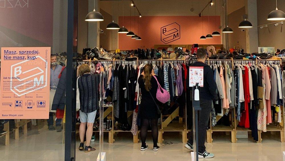Pierwszy second-hand w centrum handlowym. Gorący trend zawitał do Polski!
