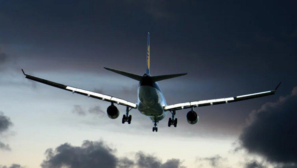 Zakaz lotów: nowa lista od 16 września. Jakie zmiany?