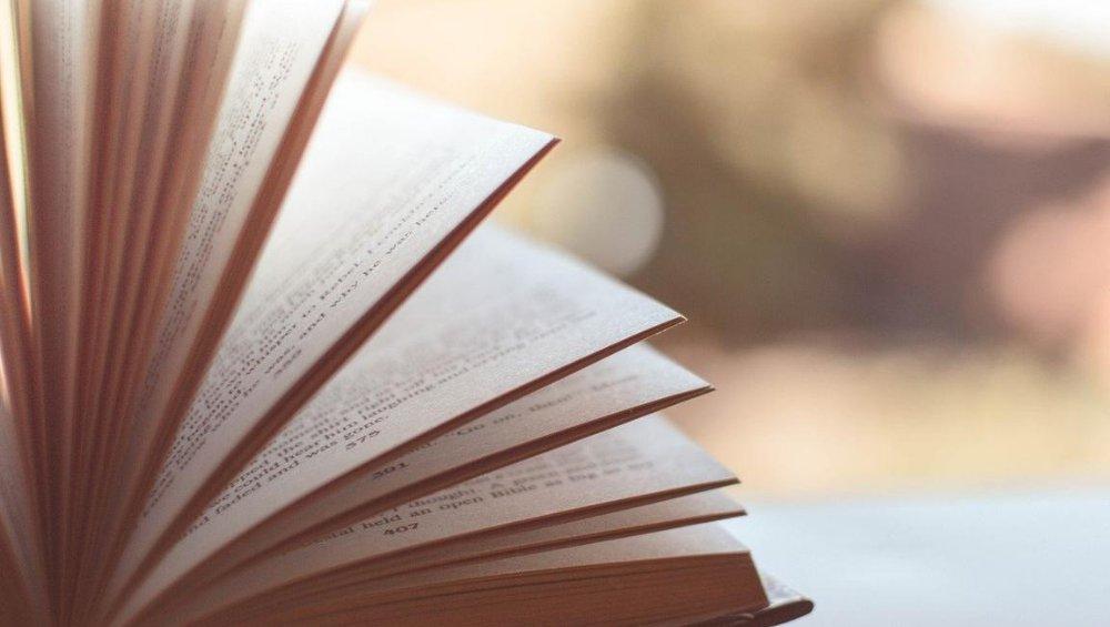 Rok szkolny 2020/21: LEKTURY. Co będziecie czytać w tym roku? [LISTA]
