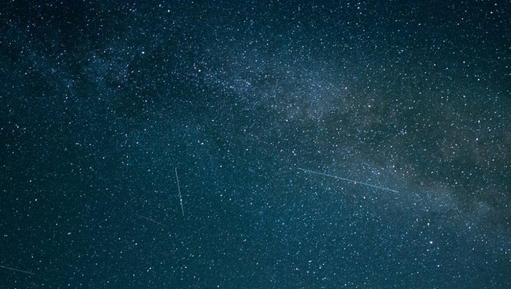 Spadające gwiazdy – październik 2021. Kiedy oglądać Orionidy?