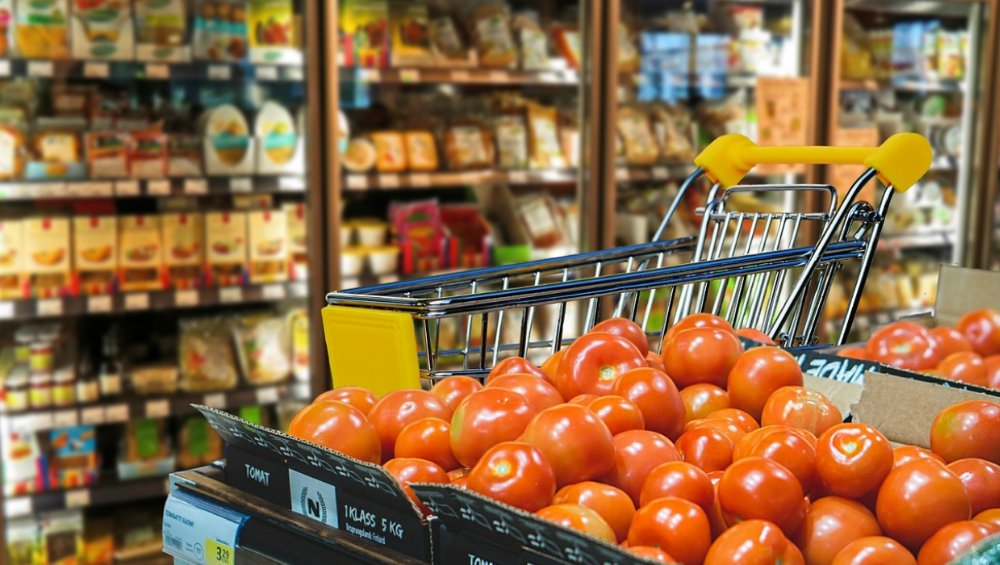 Niedziele handlowe: grudzień 2020 – zmiany. Czy 6 grudnia sklepy są otwarte?