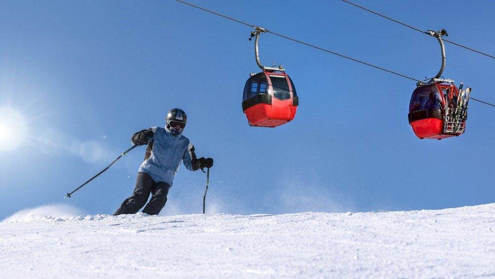 Jak będą wyglądały ferie 2021? Co z hotelami i stokami narciarskimi?
