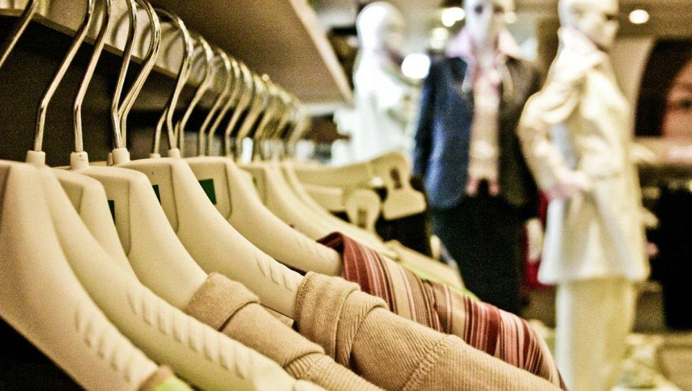 Polska marka odzieżowa zamyka 24 sklepy! Powodem koronawirus
