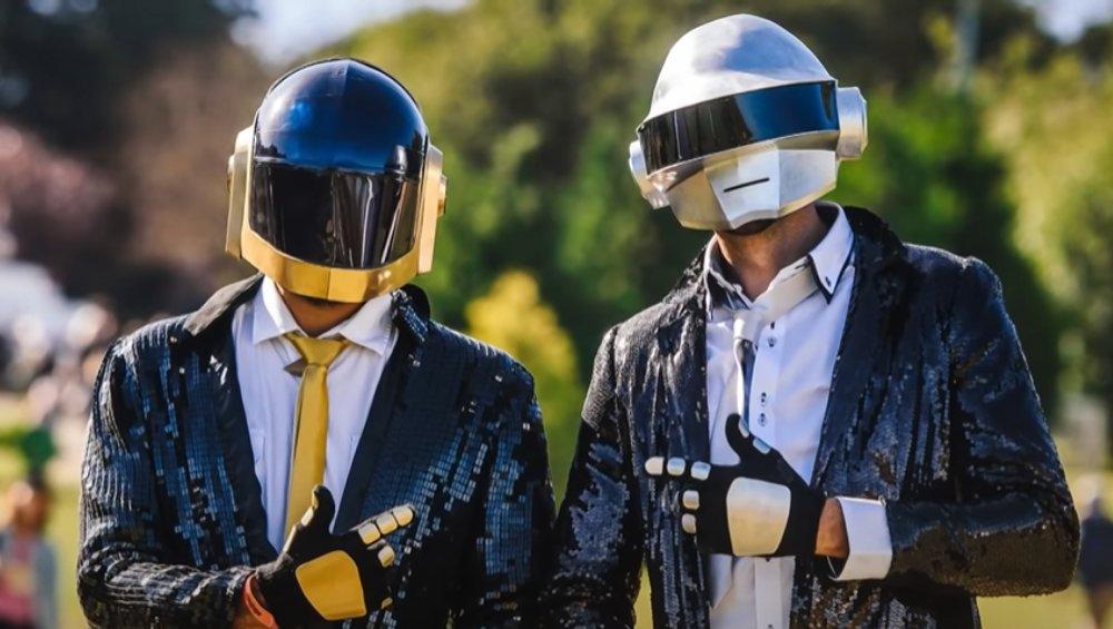 Daft Punk zakończyli karierę. Jak wyglądają bez kasków? [FOTO]