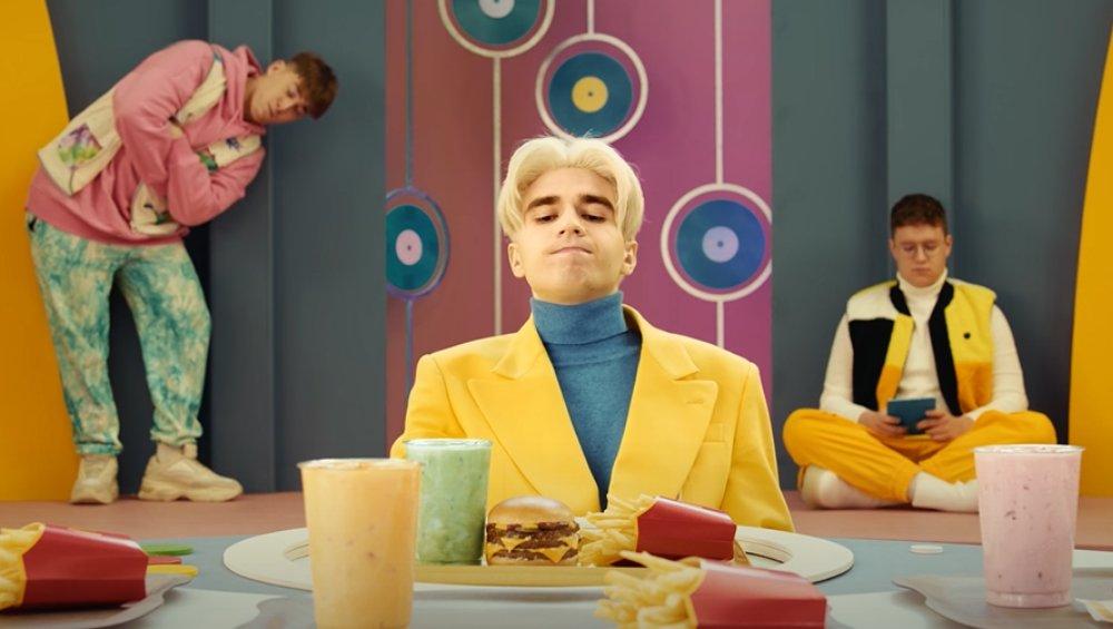 Zestaw Maty w McDonald's: cena, kalorie, naklejki, skład, opinie
